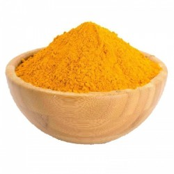 Mélange de curry jaune et de banane - une épice qui détruit le cancer